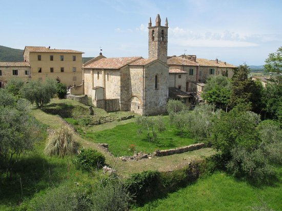 Bed & Breakfast In Piazza: Monteriggioni as seen from the castle walls