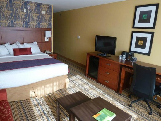 Courtyard Fargo Moorhead, MN: Bedroom