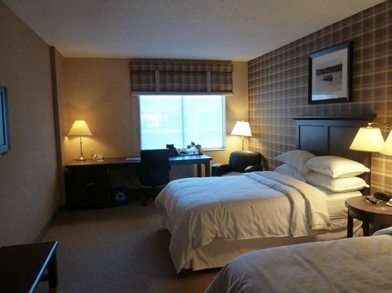 Sheraton Duluth Hotel: Bedroom