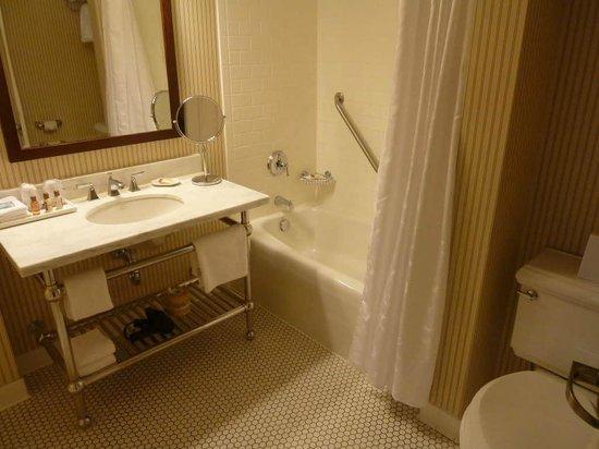 Sheraton Duluth Hotel: Bathroom