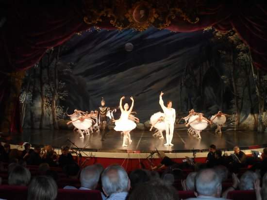 Ballet Hall Aurora Palace