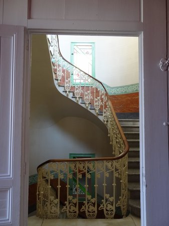 Hotel El Xalet: The original main staircase