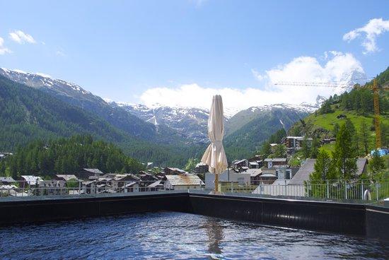 The Omnia: Vista da zacuzzi para Zermatt e para o Matterhorn