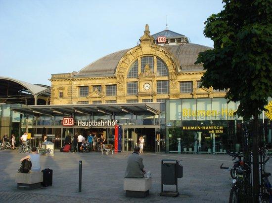 ibis Styles Halle: Station Halle (Saale)