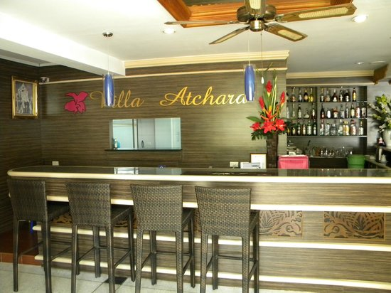 Villa Atchara: Front Reception/Bar