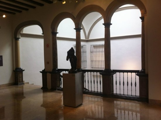 Museo Pablo Gargallo: Inside the wonderful museum building