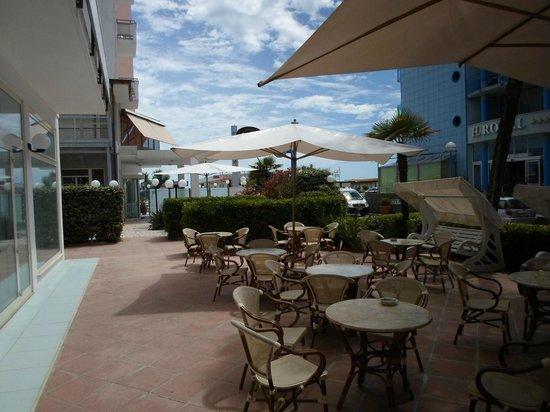 Hotel Mocambo : Il patio esterno