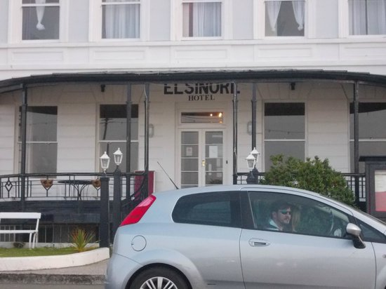 Elsinore Hotel: Seafront Location