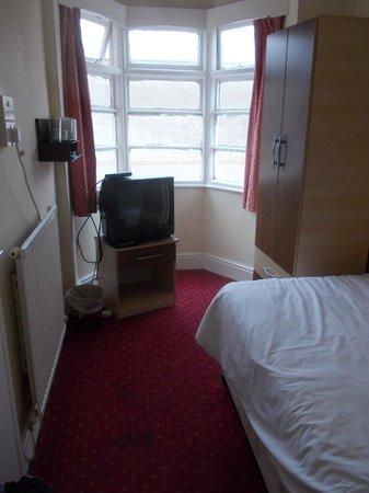 Elsinore Hotel: Single room 114
