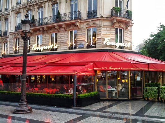 outside fouquet 39 s picture of le fouquet 39 s paris