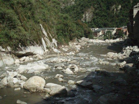 Andina Luxury: el río pegado al hotel