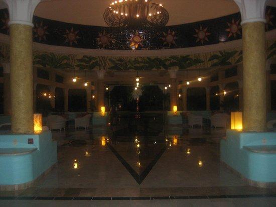 IBEROSTAR Paraiso Del Mar: Entrée de l'hôtel.
