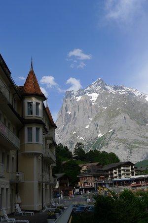 Grand Hotel Regina Grindelwald: Wetterhorn dalla terrazza del Regina al primo piano