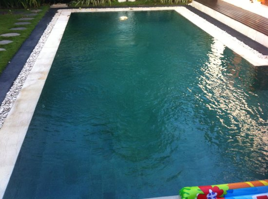 4S Villas at Seminyak Square : Pristine pool.