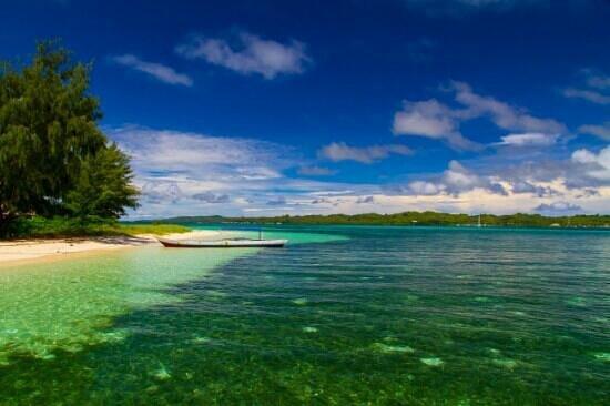 Wakatobi Hoga Diving: beach