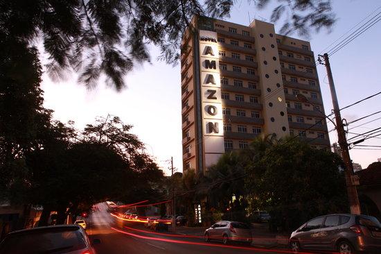 O Amazon Plaza Hotel, fica localizado no centro comercial de Cuiaba-MT, próximo de restaurantes,