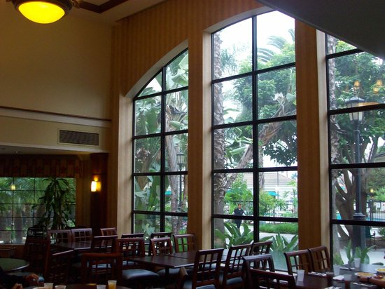 Staybridge Suites Anaheim - Resort Area: Very nice dining room
