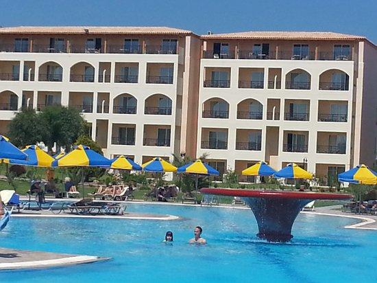 Eden Village Myrina Beach: Camere e piscina