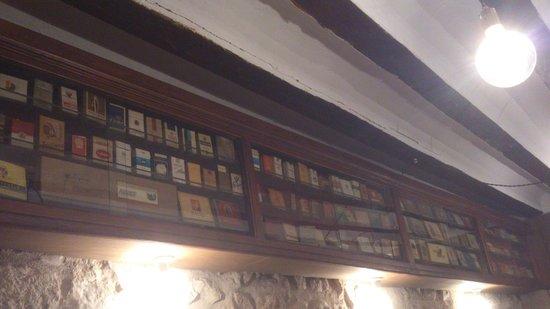 Gaona Jardin: Parte de la coleccion de cajetillas de tabaco antiguas