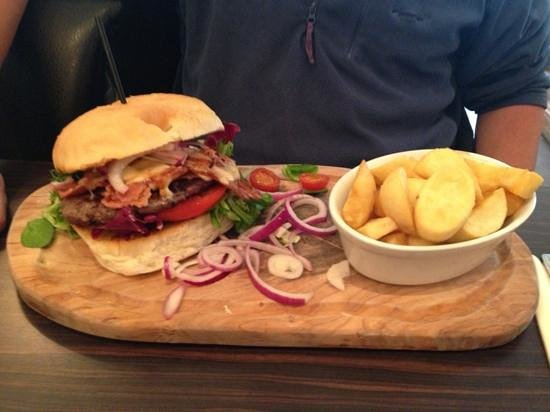 The Ham Bone Brasserie & Deli: house burger