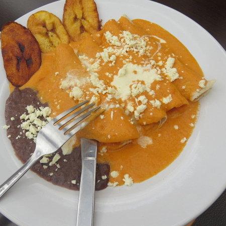 Restaurant Belil: ENCHILADAS  SUIZAS CON EL TOQUE BELIL