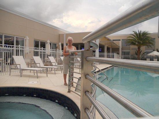 Ramada Venice Hotel Venezia: spa area near pool