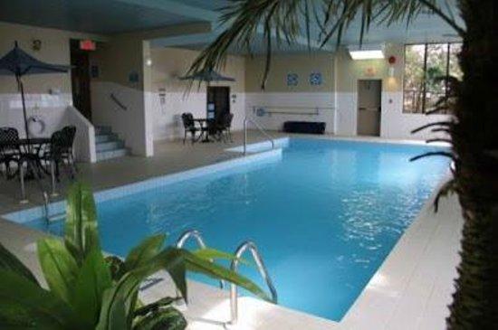 Welcominns : Pool, sauna, whirlpool