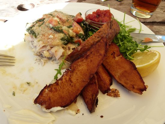 The Black Rabbit: Haddock with spinach cheese topping