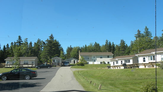 Sea Breeze Cottages and Motel : From entrance