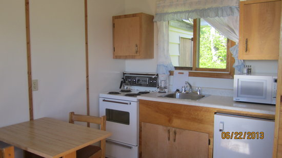 Sea Breeze Cottages and Motel : Interior