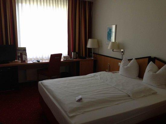 Mercure Hotel Duesseldorf Ratingen: Standard-Zimmer.