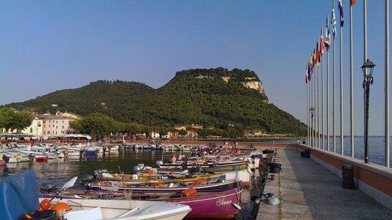Cafe La Vittoria: The Old Rock Of Garda