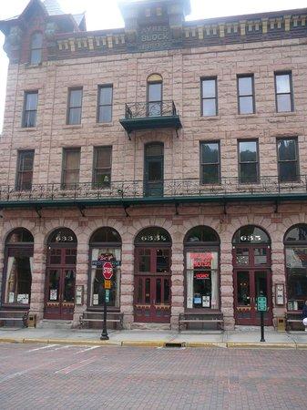 Bullock Hotel: façade vue de main street