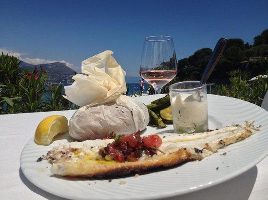 Plage Restaurant Paloma Beach : Sea Bass