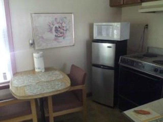 Kings Inn Motel: The Kitchen