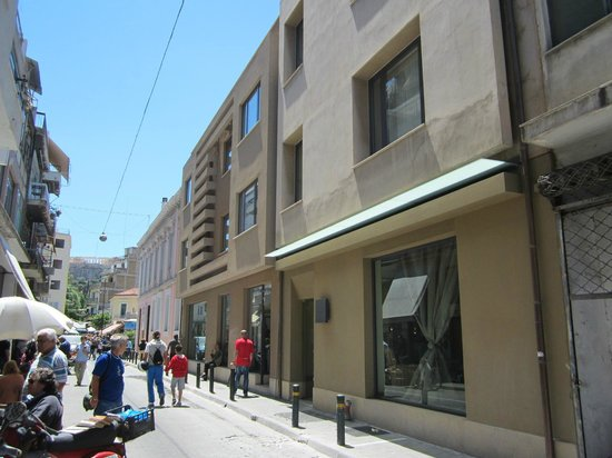 O&B Athens Boutique Hotel: Front of hotel