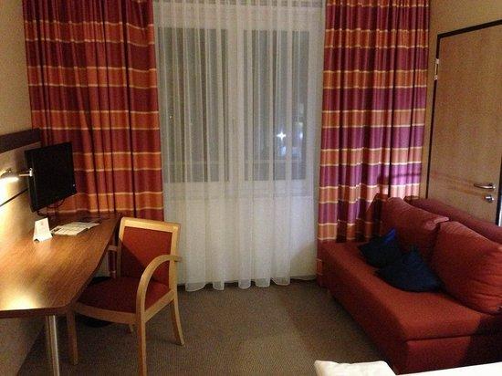 Holiday Inn Express Singen: Wohnbereich.
