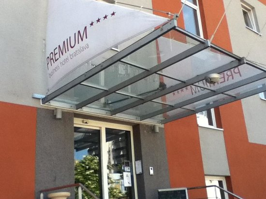 Premium Business Hotel Bratislava: Entry