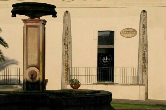 Hotel Borgo Cardigliano : l'ingresso dell'albergo. Un posto unico.