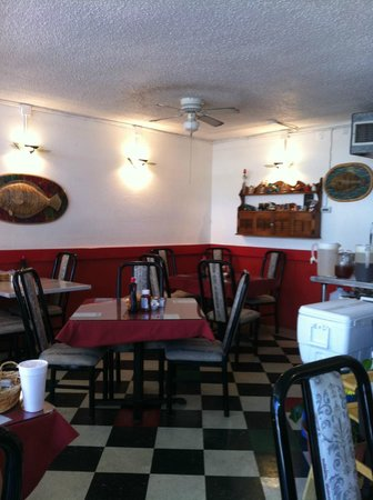 Frankie's Kitchen: Not much seating, but worth the wait!