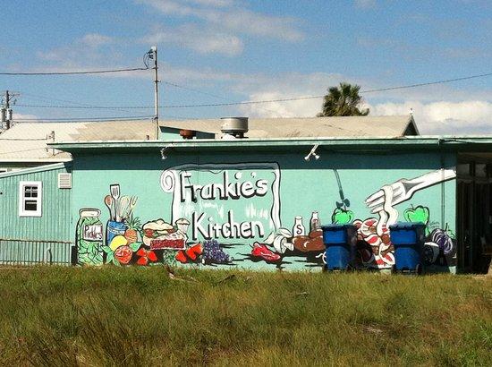 Frankie's Kitchen: Outside