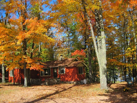 Holiday Acres Resort: Fall is spectacular at Holiday Acres, Rhinelander, WI