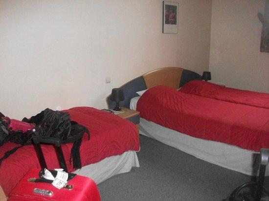 Hotel Saint Nicolas: Habitación triple