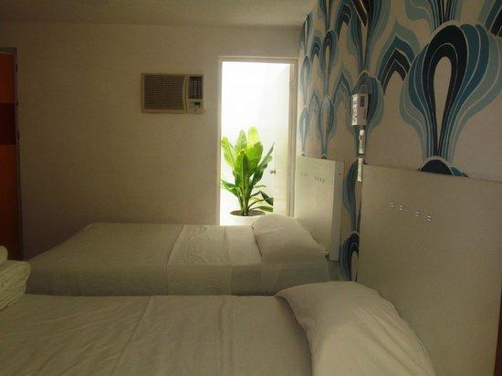 Hotel Maria Guadalupe: Habitacion Doble, A/C , ventilador, art deco!