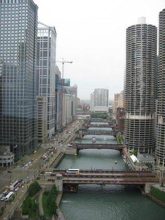 Wyndham Grand Chicago Riverfront: Vista desde habitacion, planta 27