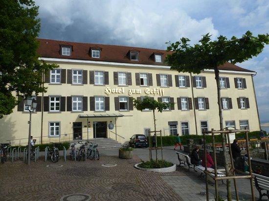 Hotel zum Schiff: front entrance to the hotel