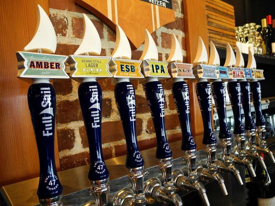 Full Sail Brewing Company: Full Sail Brewing Taps