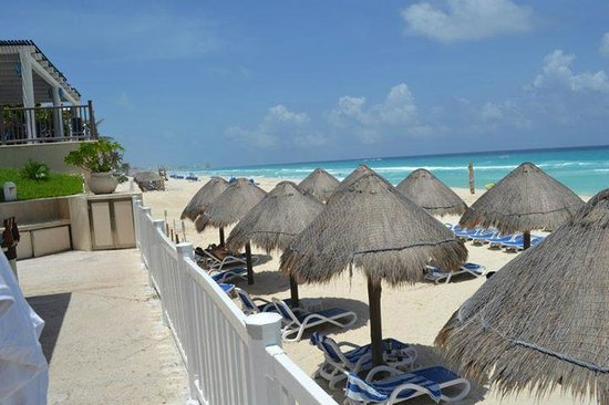 Golden Parnassus All Inclusive Resort & Spa Cancun: Piscina