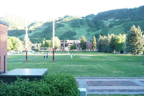 The Prospector Condominiums: Beautiful park