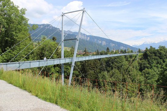 Sigriswil, Switzerland: A ponte vista do outro lado
